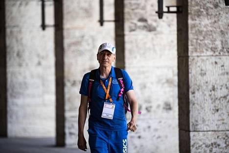 Jorma Kemppainen joutui vaikeaan paikkaan, kun hänet valittiin vuonna 2012 Urheiluliiton valmennusjohtajaksi.