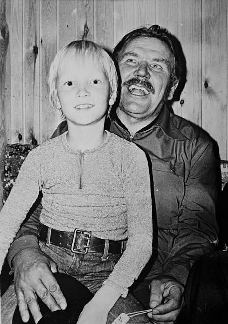 Isoisä Lauri Hämäläinen oli Jannelle tärkeä ja läheinen.