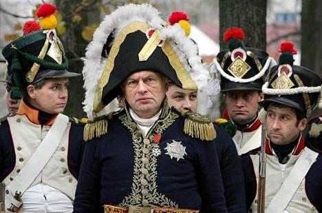Oleg Sokolov harrasti Napoleonin aikaisten taisteluiden uudelleendramatisointia. Kuva on vuodelta 2005, kun historianharrastajat näyttelivät uusiksi yhden taistelun vuodelta 1812, jossa vastakkain olivat tsaarin Venäjän ja keisari Napoleonin joukot.