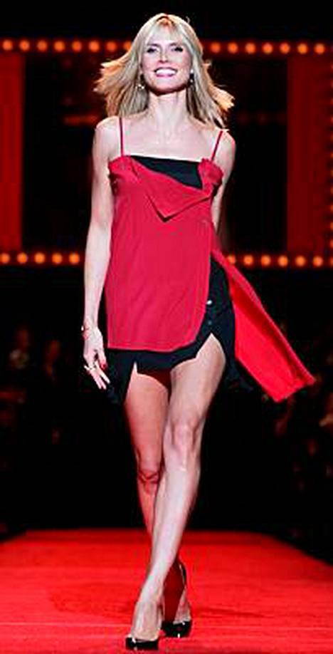 Heidi kertoi rakastavansa roskaruokaa naisten sydäntautitietoutta levittävässä Heart Truths Red Dress Collection -muotinäytöksessä.