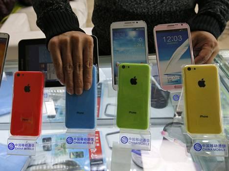 IPhone 5C:tä myytiin karkkiväreissä.