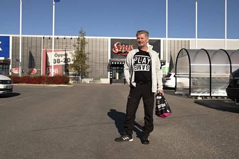 Simolainen Eero Hiltunen tuli Haaparannalle ostosreissulle.