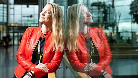 Tutkija, aktivisti Emilia Lahti väittelee syksyllä Aalto-yliopistossa. Aiheena on sisu.