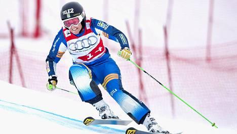 Anna Holmlund on voittanut skicrossissa muun muassa olympiapronssia.