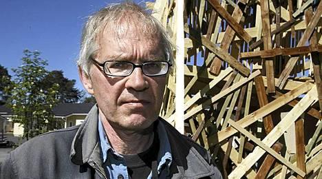 Pilapiirtäjä Lars Vilks joutui äärimuslimien vihan kohteeksi.