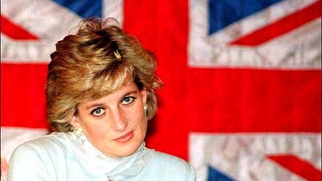 Prinsessa Diana kuvattuna helmikuussa 1997.