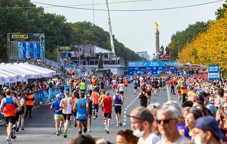 Vaalipäivänä katukuvaa hallitsi Berliinin maraton.