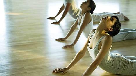 Voivatko yleiset joogaliikkeet aiheuttaa vammoja?
