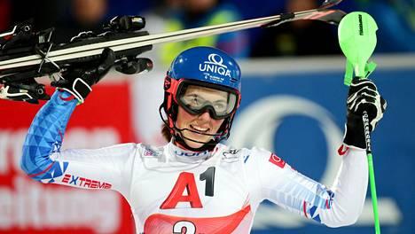 Petra Vlhova tuuletti voittoa Flachaussa.
