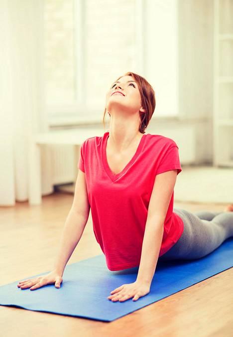 Jooga auttaa niin migreeniin kuin selkäkipuihinkin.
