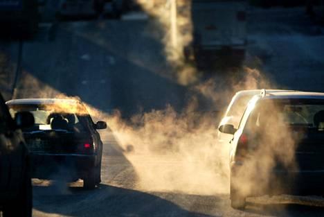 Henkilöautojen päästöt olivat 5,9 miljoonaa hiilidioksidiekvivalenttitonnia viime vuonna.