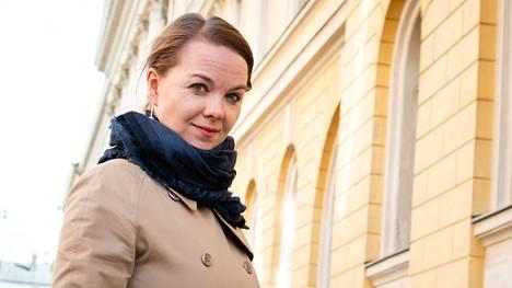 Valtiovarainministeri Katri Kulmunin mielestä yhteisvastuullista velkaa ei pidä lisätä edes poikkeustilanteessa.