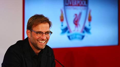 Jürgen Klopp otti yleisönsä heti ensilehdistötilaisuudessaan.