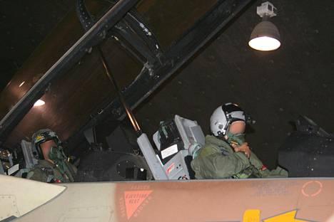 Israelin armeijan julkaisemaa kuvaa operaation kulusta.