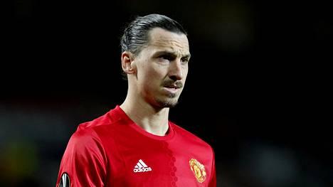 Zlatan Ibrahimovicille tehtiin Yhdysvalloissa onnistunut polvileikkaus. Hän on jo aloittanut kuntoutuksen.
