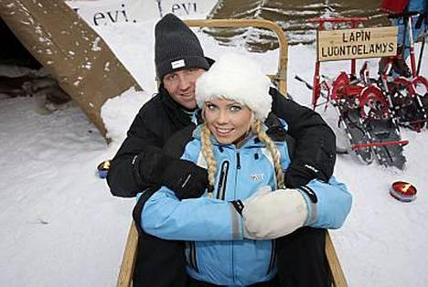 Jani Sievinen ja Mari Samuelsen viettivät viime viikonlopun Levillä.