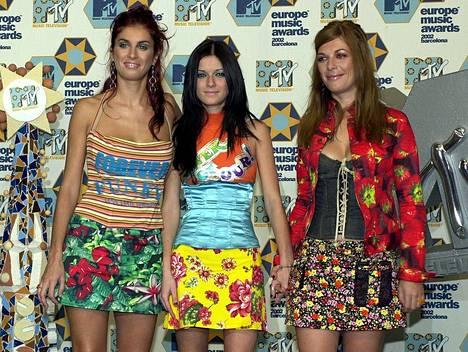 Las Ketchup edusti MTV Europian Music Awards -gaalassa Barcelonassa syksyllä 2002. Yhtye voitti samana vuonna useita palkintoja, mutta MTV EMA -pystiä se ei saanut.