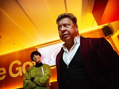 Radio Helsingin päätoimittaja Maria Veitola ja yksi omistajista Tomi Ruotimo.