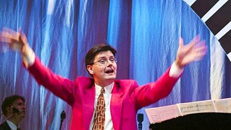 Jari Puhakka Bumtsibum-kiertueella vuonna 1999.