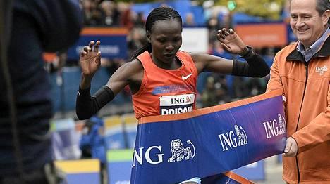 Priscah Jeptoo oli nopein naisten sarjassa New Yorkin maratonilla.