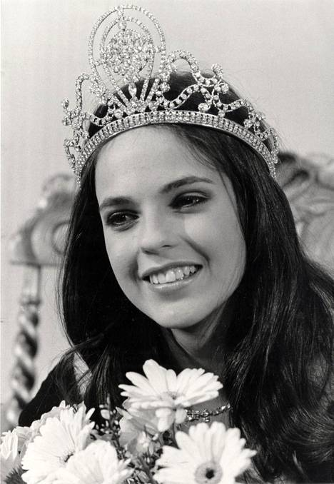Anna-Liisa tilus kruunattiin Miss Suomeksi 19-vuotiaana vuonna 1984.