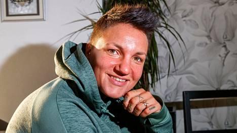 Elina Gustafsson lopetti nyrkkeilyuransa viime vuonna. Hänestä ilmestyy elämäkerta syyskuussa.