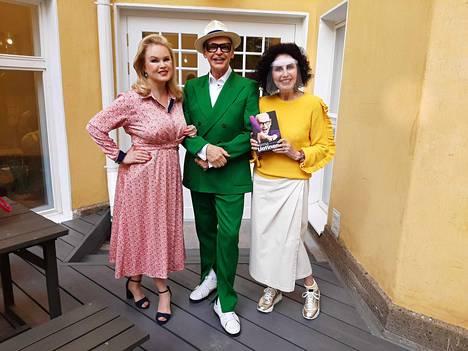Helena Lindgren, Jorma Uotinen ja Lenita Airisto ovat hyviä ystäviä.