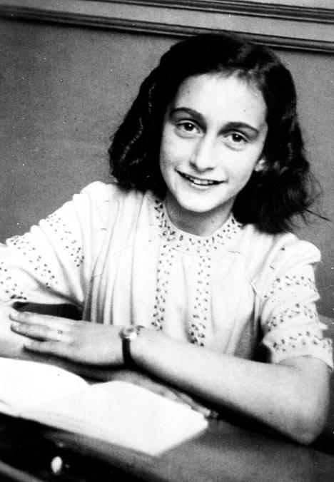 Anne Frankin päiväkirjat julkistettiin sodan jälkeen ja ne on käännetty ainakin 60 kielelle.