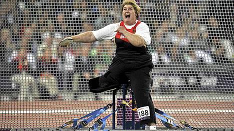 Ilke Wyludda työskentelee nykyisin nukutuslääkärinä ja nautiskelee uudelleen urheilusta paralympialaisissa.