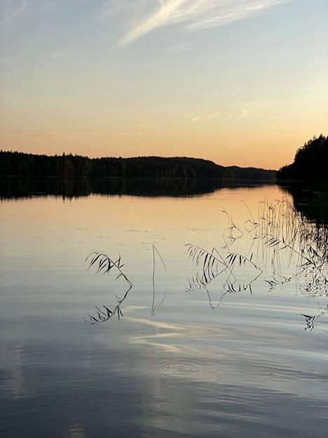 """Su 25.7. """"Heinävesi ja Kermajärvi. Kansallismaisema ja mökkimaisema. Rauhaa ja puhdasta luontoa rakastavan toivepaikka."""""""