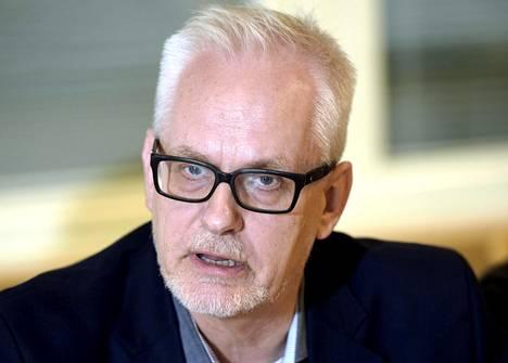 Europarlamentaarikko Petri Sarvamaa (kok) katsoo, että kasvisruokien tuottajien asema heikkenee, jos kasvispohjaisia tuotteita ei saisi kutsua lihatuotteita kuvaavilla termeillä.