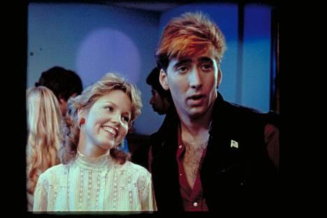 Romanttinen komedia 15-vuotiaan San Fernando Valleystä kotoisin olevan Julien (Deborah Foreman) ja Hollywoodista olevan Randyn (Nicholas Cage) epätodennäköisestä rakkaussuhteesta.