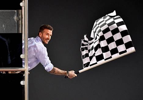 Jalkapallotähti David Beckham oli kutsuttu heiluttamaan ruutulippua tämän vuoden Bahrainin GP:ssä.