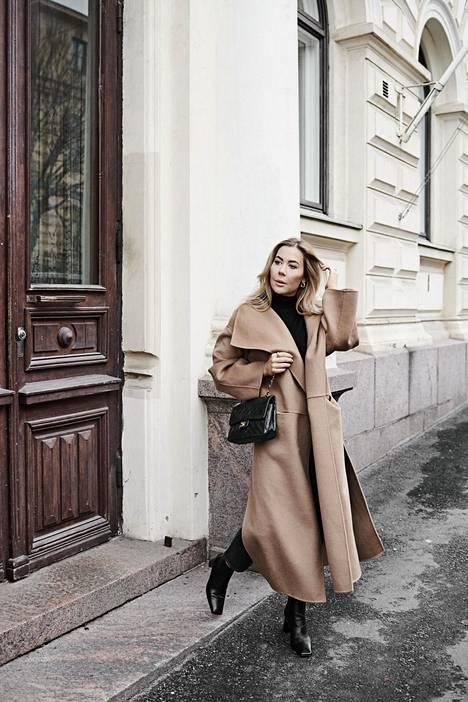Alexa Dagmar on Suomen suosituimpiin kuuluva bloggaaja. Hän on blogannut vuodesta 2011 asti.