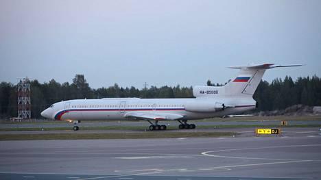 Tupolev nousi puoli kahdeksan aikaan ilmaan Helsinki-Vantaan kentältä.
