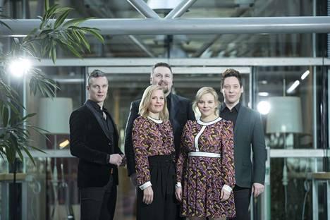 Club for Five yhtyeen muodostavat Susanna Lukkarinen, Juha Viitala, Maija Sariola, Tuukka Haapaniemi ja Jouni Kannisto.