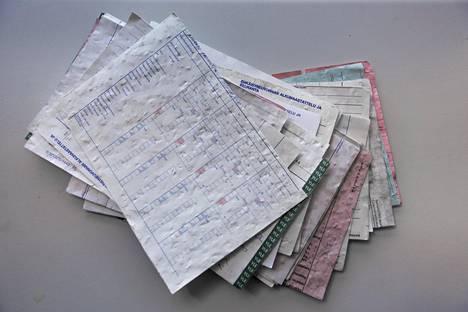 Ehkäisyneuvonnan papereita löytyi monen potilaan tiedot kattava pino.