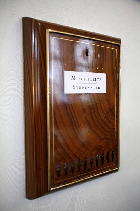 Mielipidelaatikko Pörssiklubin kirjastolla.