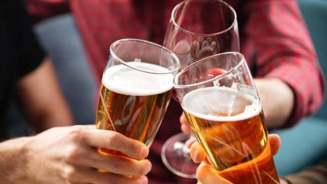 Koehenkilöiden kokemaan krapulaan ei vaikuttanut se, joivatko he oluen jälkeen viiniä vai viinin jälkeen olutta.