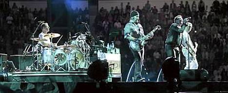 Perjantaina U2 sai esiintyä Olympiastadionilla ilman, että taivaalta tippui pisaraakaan.