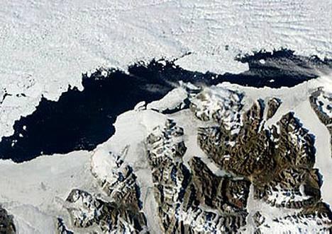 Ellesmerensaaren syrjäisen sijainnin vuoksi irronnut jää huomattiin vasta viime vuoden lopulla.