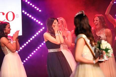 Kun uusi Miss Helsinki kruunattiin, Nina Kallio kuunteli epäuskoisena, kun hänen oma nimensä kuulutettiin.