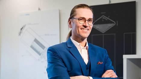 """Mikko Hyppönen on työskennellyt samassa firmassa vuodesta 1991. """"Tietoturvan rokkitähdeksi"""" nimetty mies on suosittu puhuja ja kommentaattori selkokielisyytensä ja syvällisen asiantuntemuksensa vuoksi."""