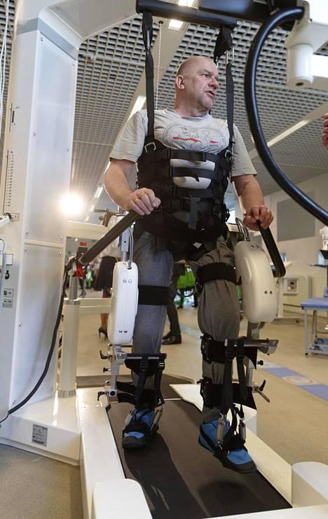 Timo Heikkisellä on jo 300 kilometriä kävelyä alla. Tosin maisema ei robotissa vaihdu.