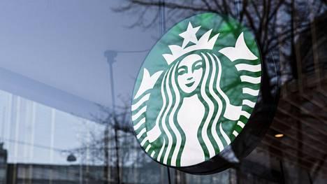 Starbucksin tiedottaja kertoo kahvilaketjun tutustuvan kanteeseen.