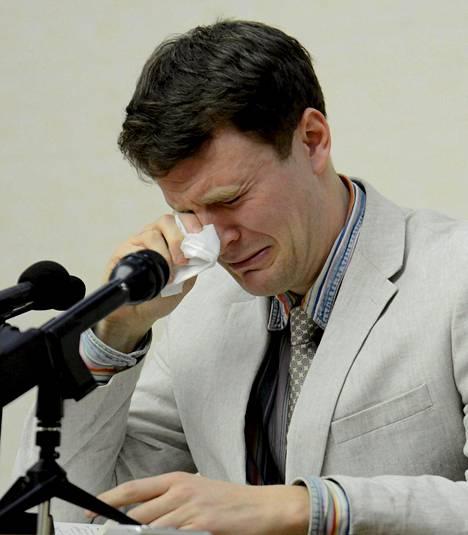 Otto Warmbier murtui kyyneliin oikeudenkäynnissä Pjongjangissa viime vuoden helmikuun lopulla.