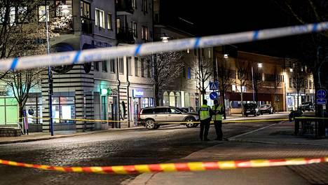 Poliisit olivat eristäneet tekopaikan keskiviikkona.