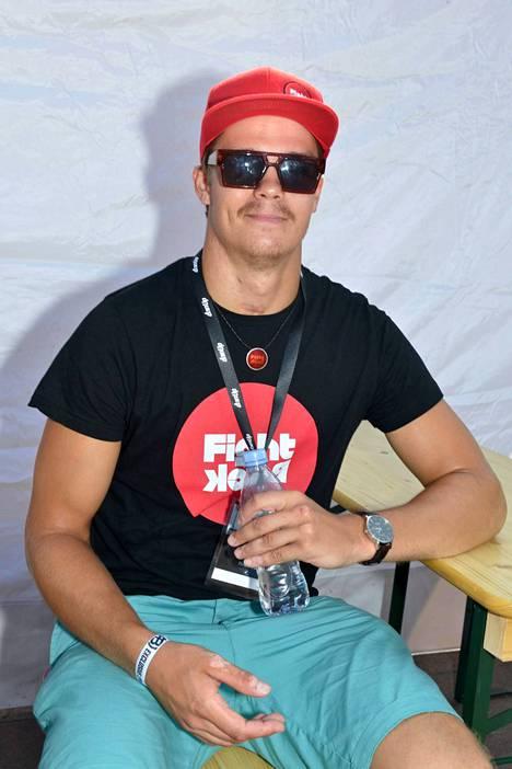 Pekka Hyysalo aikoo osallistua juoksukisaan. Mieheltä on tulossa kirja ja hän kertoo miettineensä paljon Michael Schumacheria.