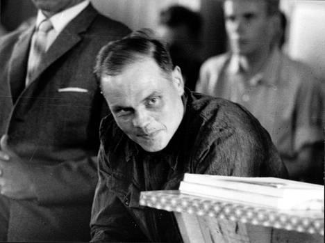 Erik Runar Holmström, moninkertainen murtovaras ja Tulilahden murhista syytetty hirttäytyi ennen oikeuden ratkaisua.