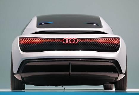 Uusi Audi Aicon -konsepti näyttää takaa hyvin futuristiselta.